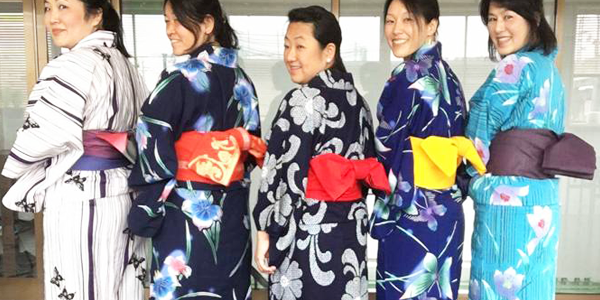 ladies in Japanese Yukata